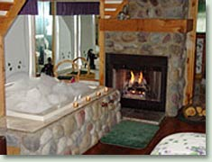 homephoto1 Romantic Getaways in Wisconsin   Lake Geneva Bed and Breakfast & Lake Geneva Hotel