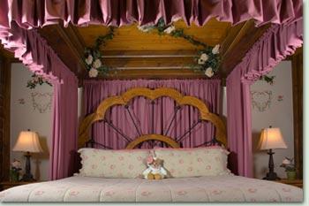moonlight roses 1 Moonlight & Roses Suite