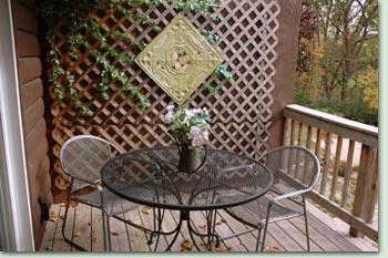 mossy glen 1 Mossy Glen Suite