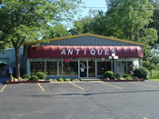 LR AlwaysRememAntiqueMall62082891 Antiquing in Lake Geneva, WI