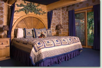 Inn: Blue Moon Suite