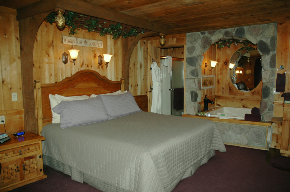 Inn: Stone Grotto Suite